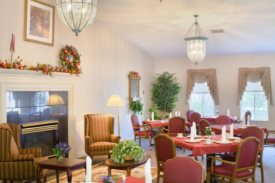seasons-place-dining-area
